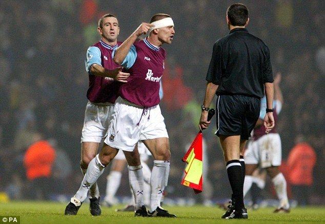 Repka con la maglia del West Ham