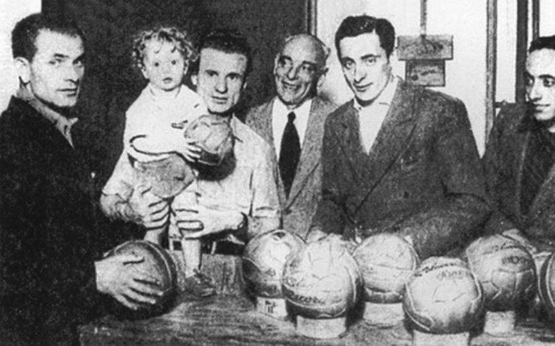 Valentino & Sandro Mazzola nel negozio di famiglia.