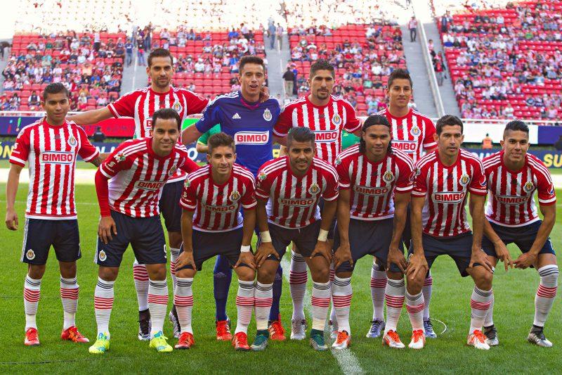 L'undici iniziale del Chivas nella prima giornata del Clausura 2016, contro il Veracruz. (Saul Molina per MexSport)